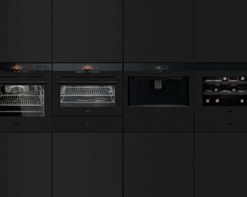 Коллекция AEG Matt Black Kitchen