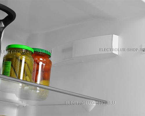 Холодильная камера двухкамерного холодильника Electrolux EN 3854 NOW