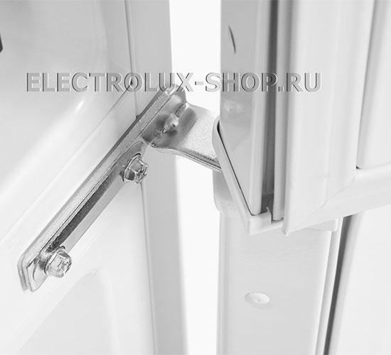 Крепление дверцы двухкамерного холодильника Electrolux EN 3454 NOW