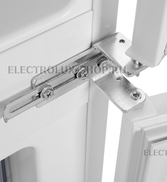 Крепление дверей встраиваемого двухкамерного холодильника Electrolux ENN 92853 CW