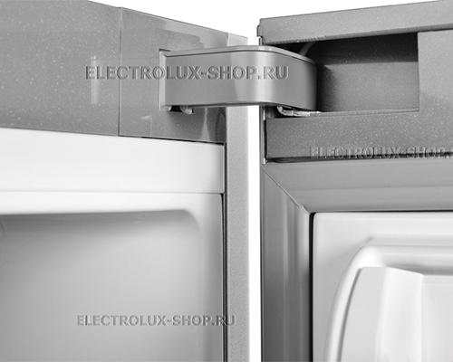 Крепление дверцы двухкамерного холодильника Electrolux EN 3889 MFX CustomFlex