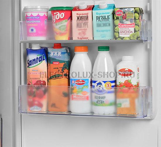 Дверные полки двухкамерного холодильника Electrolux EN 3452 JOW