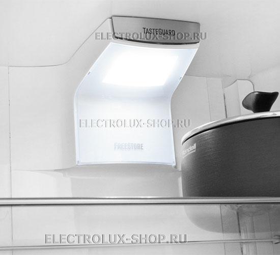 Освещение холодильной камеры двухкамерного холодильника Electrolux EN 3889 MFW CustomFlex